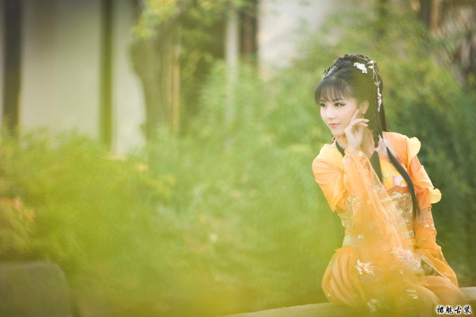 古装美女-橘色侠女