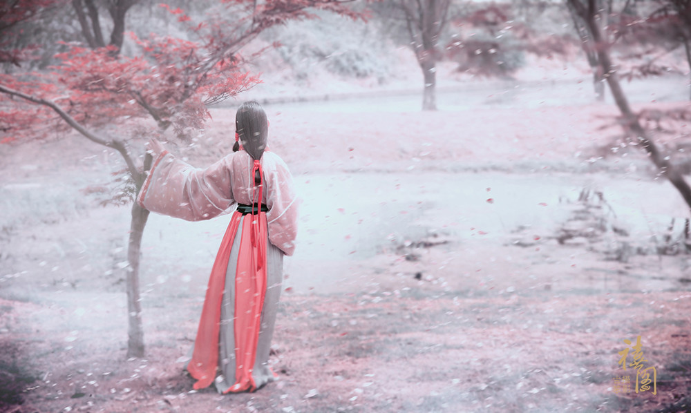 空山新雨后,天气晚来秋